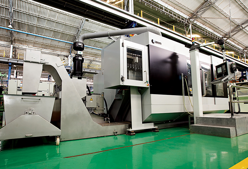 5 - axis CNC machining center for profile tapered and twisted blades